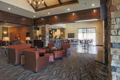 Hotel Lounge | The Lodge at Old Kinderhook Golf Resort