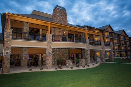 Featured Image | The Lodge at Old Kinderhook Golf Resort