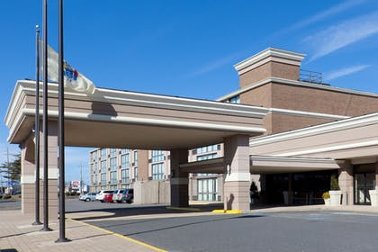 Hotel Front | Days Hotel by Wyndham Toms River Jersey Shore
