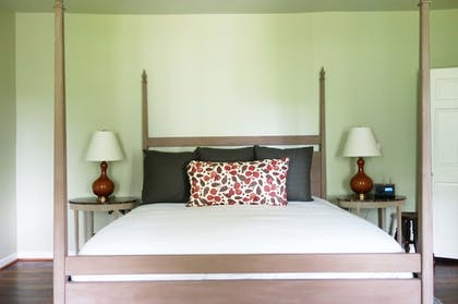 Guestroom | The Clifton