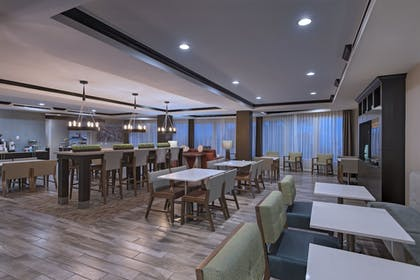 Restaurant | Holiday Inn Express & Suites Austin NW - Four Points