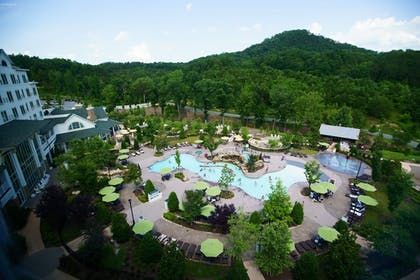 Courtyard View | Dollywood's DreamMore Resort
