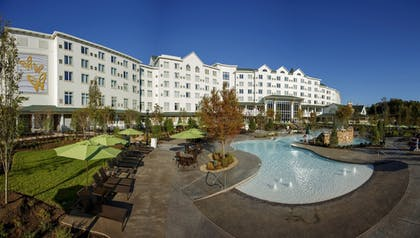 Featured Image | Dollywood's DreamMore Resort