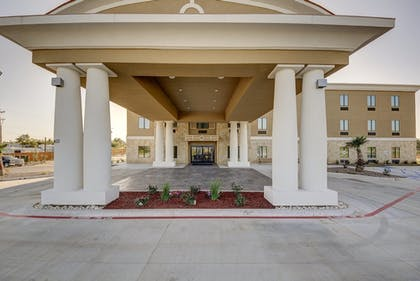 Exterior | Holiday Inn Express & Suites Carrizo Springs