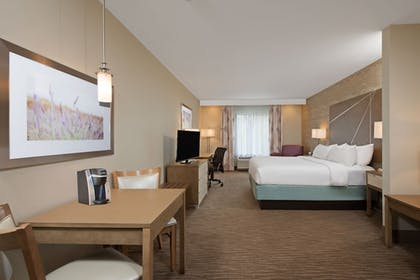 Guestroom | Holiday Inn Express & Suites New Cumberland