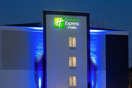 Exterior | Holiday Inn Express & Suites New Cumberland