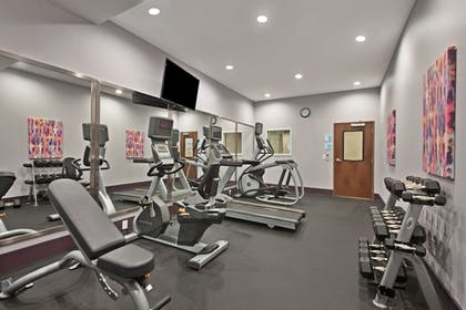Fitness Facility | Holiday Inn Express & Suites New Cumberland