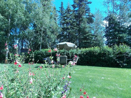 BBQ/Picnic Area | Fairbanks Extended Stay