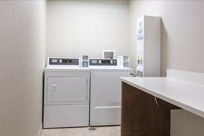 Laundry Room | Hampton Inn & Suites Knoxville Papermill Drive