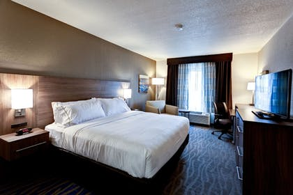 Guestroom | Holiday Inn Express & Suites Manhattan