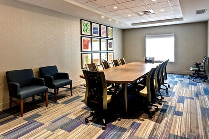 Meeting Facility | Holiday Inn Express & Suites Manhattan