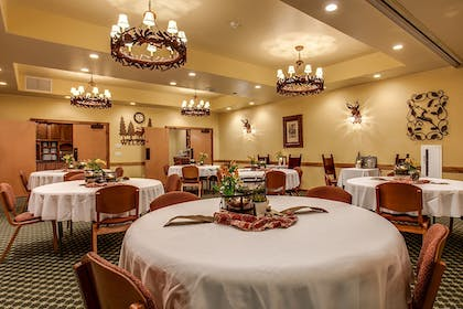 Banquet Hall | Bavarian Lodge