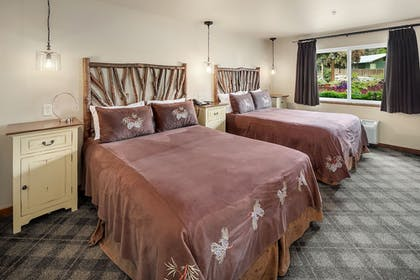 Guestroom | Bavarian Lodge