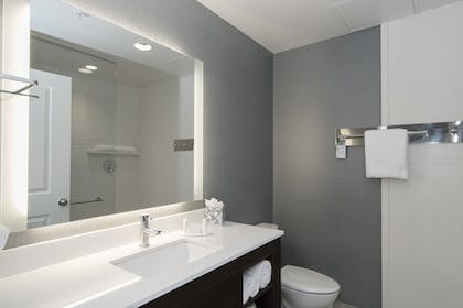 Bathroom | Residence Inn Raleigh-Durham Airport/Brier Creek