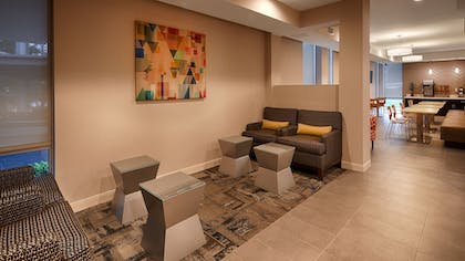 Lobby Sitting Area | Best Western Plus Downtown Tulsa/Route 66