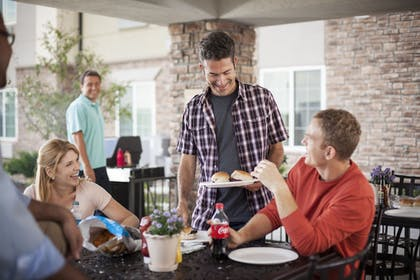 Outdoor Dining | Candlewood Suites College Station At University