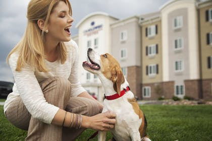 Exterior detail | Candlewood Suites College Station At University