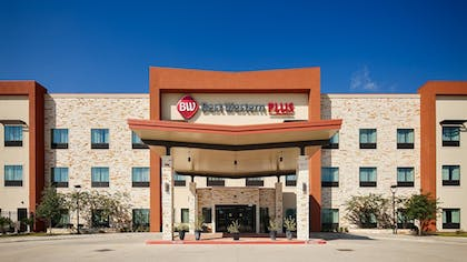 Hotel Front | Best Western Plus College Station Inn & Suites