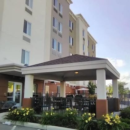BBQ/Picnic Area | Candlewood Suites St. Clairsville