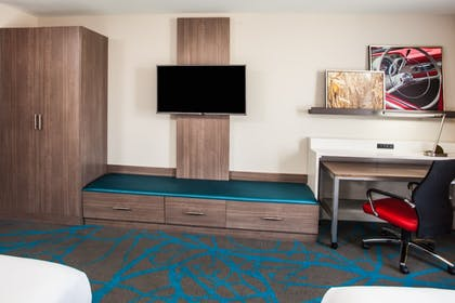 Guestroom | Holiday Inn Express & Suites Litchfield West