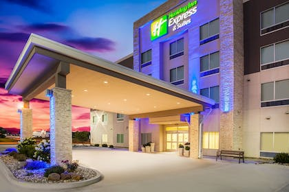 Featured Image | Holiday Inn Express & Suites Litchfield West