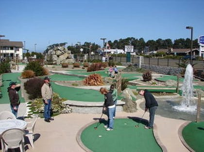 Mini-Golf | Emerald Dolphin Inn