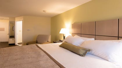 Guestroom | Candlewood Suites Gonzales - Baton Rouge Area