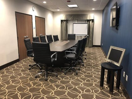 Business Center | Holiday Inn Express & Suites Bakersfield Airport