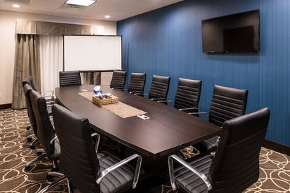 Meeting Facility | Holiday Inn Express & Suites Bakersfield Airport