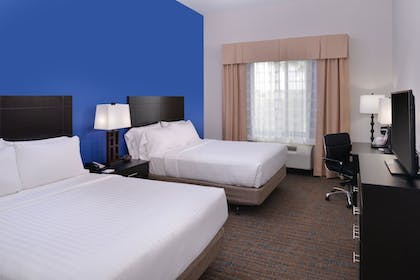 Guestroom | Holiday Inn Express & Suites Bakersfield Airport