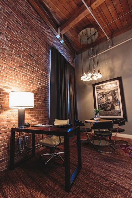 In-Room Business Center | Hard Rock Hotel & Casino Sioux City