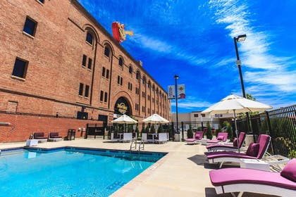 Outdoor Pool | Hard Rock Hotel & Casino Sioux City