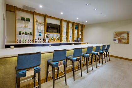 Hotel Bar | Springhill Suites by Marriott Wilmington Mayfaire