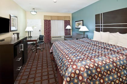 Guestroom | Executive Inn and Suites Tyler