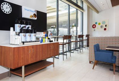 Coffee Service | Holiday Inn Express & Suites Pittsburgh North Shore