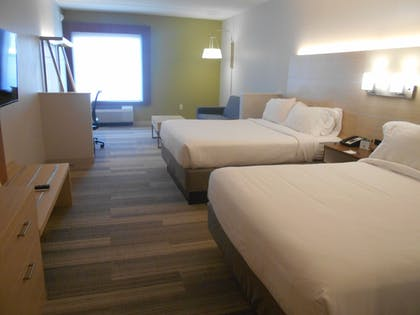 Guestroom | Holiday Inn Express & Suites Pittsburgh North Shore