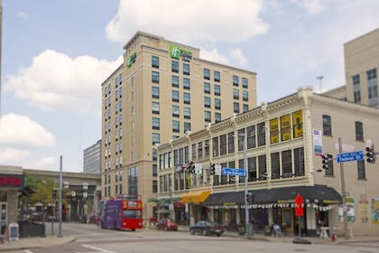 Featured Image | Holiday Inn Express & Suites Pittsburgh North Shore