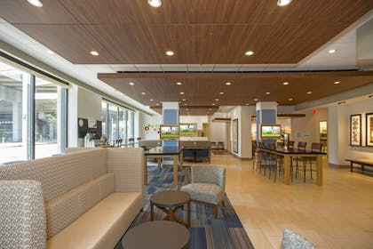 | Holiday Inn Express & Suites Pittsburgh North Shore