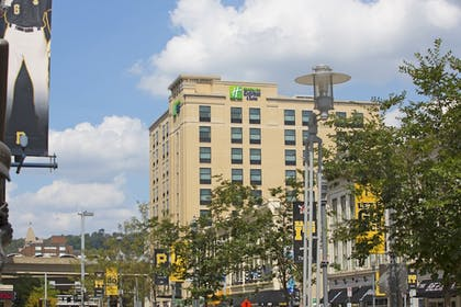 Exterior | Holiday Inn Express & Suites Pittsburgh North Shore
