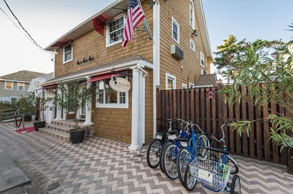 Hotel Front | The Palms Hotel Fire Island