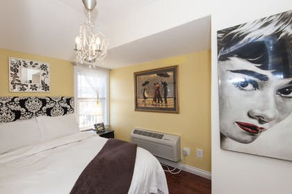 Guestroom | The Palms Hotel Fire Island