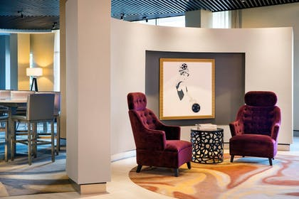 Lobby | SpringHill Suites Los Angeles Burbank/Downtown