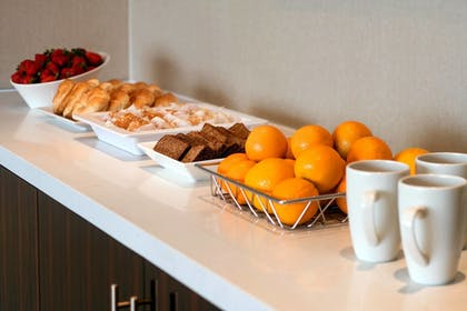 Meeting Facility | SpringHill Suites Los Angeles Burbank/Downtown