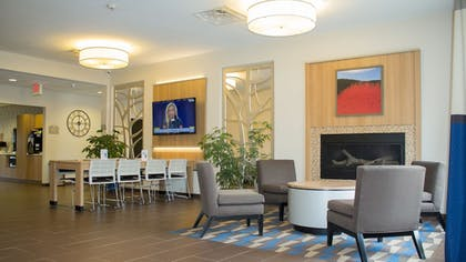 Lobby Sitting Area | Microtel by Wyndham Penn Yan Finger Lakes Region