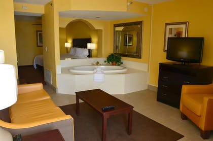 Deep Soaking Bathtub | Best Western Plus Daytona Inn Seabreeze Oceanfront