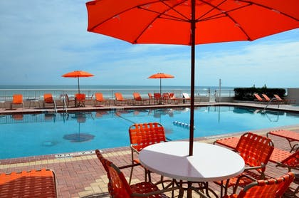 Outdoor Pool | Best Western Plus Daytona Inn Seabreeze Oceanfront