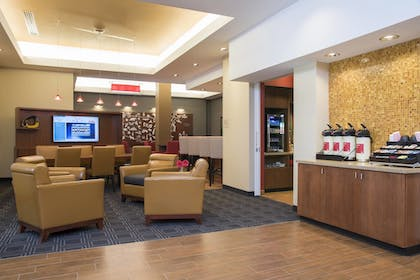 Lobby | TownePlace Suites by Marriott Champaign Urbana/Campustown