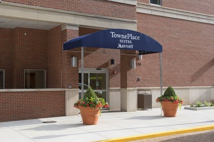 Hotel Front | TownePlace Suites by Marriott Champaign Urbana/Campustown