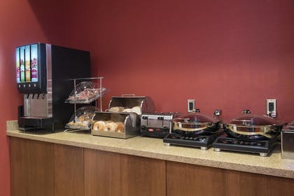 Restaurant | TownePlace Suites by Marriott Champaign Urbana/Campustown