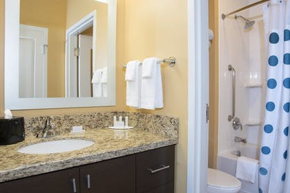 Guestroom | TownePlace Suites by Marriott Champaign Urbana/Campustown